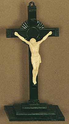 Freestanding plastic crucifixes