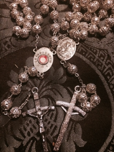 St. Therese Filigree Relic Rosary (b112)