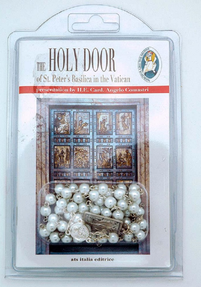 Holy Door rosary and book